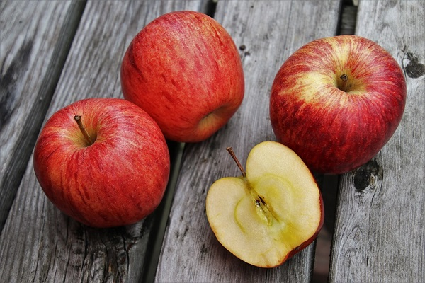 新鮮なりんご